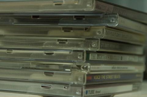 CD・DVDが山積み